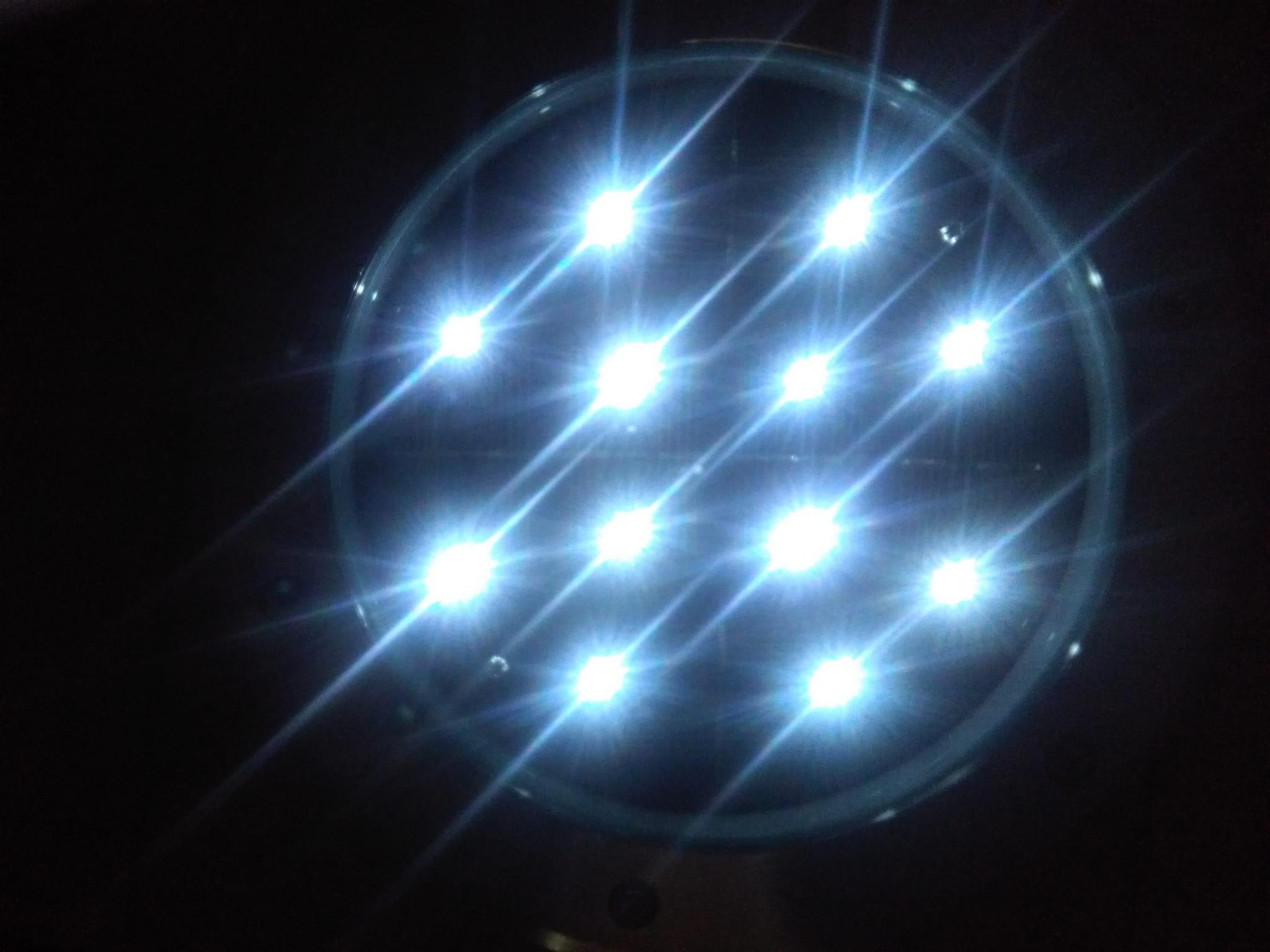 Najazdowa Lampa Solarna średnica Aż 25 Cm Klasa Premium